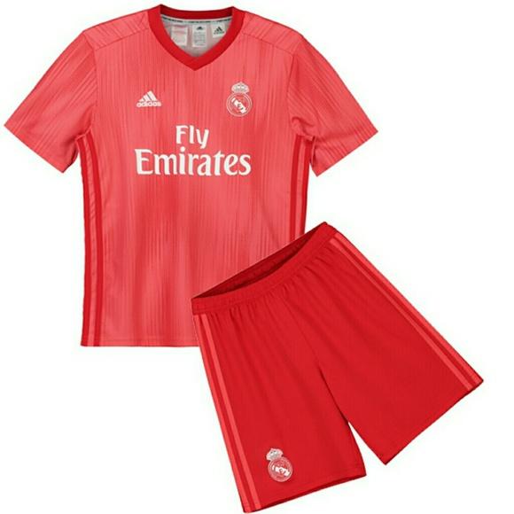 best website d30cc ec80f Real Madrid Red Jersey (Shirt+Short) NWT